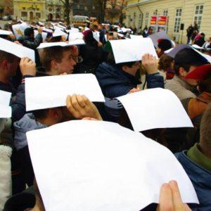 la-ciudad-ucraniana-de-lviv-tambien-conocida-como-leopolis-primera-en-albergar-la-flashmob-giant-words